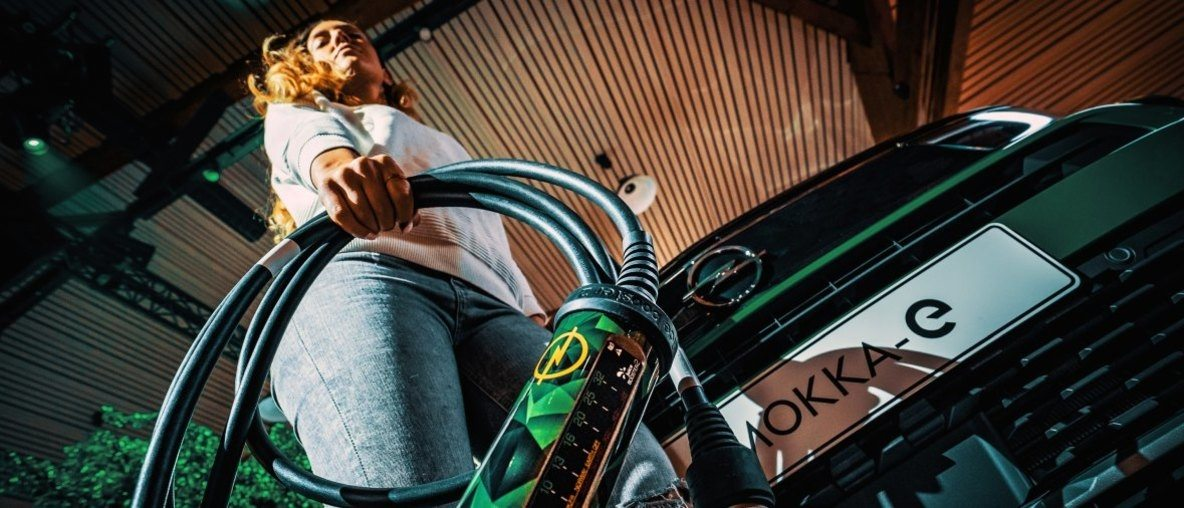 Opel Universal Charger: Swiss Army Knife of Electric Mobility